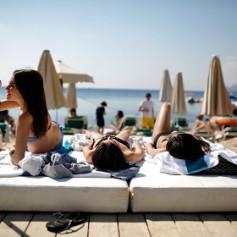 Российские отпускники в 2015 году предпочтут поездку к морю