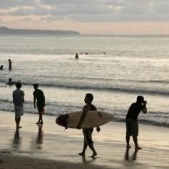 Индонезия с 1 апреля отменит визы для туристов из 30 стран, включая Россию