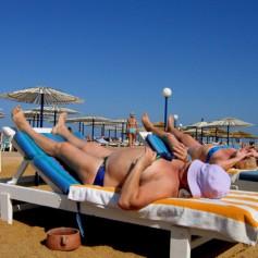 Российские туристы предпочитают недорогой отдых у моря