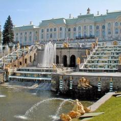 Фонтаны Петергофа начнут работу в конце апреля