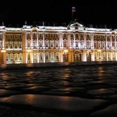 Перспективы привлечения туристов в российские музеи обсудят в Эрмитаже