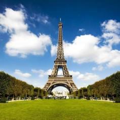 Доступ туристов на Эйфелеву башню приостановлен из-за забастовки