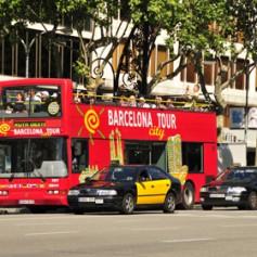 Двое туристов угнали экскурсионный автобус в Барселоне