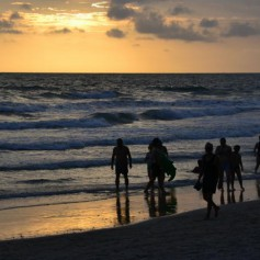 Спасатели сообщили об опасности купания на пляжах Пхукета
