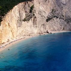 Названы десять самых живописных пляжей Средиземноморья