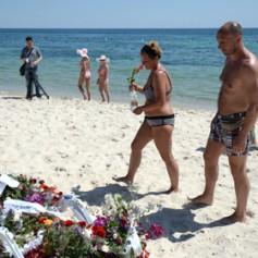 Российские туристы попросили досрочно вернуть их из Туниса