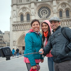 В Европе задумались о запрете фото на фоне туристических достопримечательностей