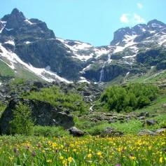 Спасатели КЧР нашли потерявшуюся в горах туристку из Новороссийска