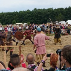 Викинги идут! Под Калининградом на берегу моря прошел исторический фестиваль «Кауп»