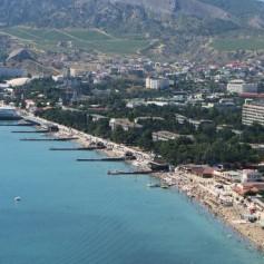 Мнения работников туриндустрии и крымчан о турпотоке в Крыму разнятся
