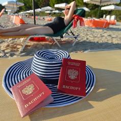 Кризис и курс рубля лишили россиян 3 миллионов заграничных отпусков