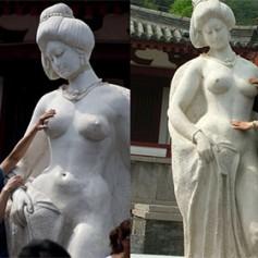 Китайских туристов попросили оставить в покое грудь обнаженной статуи