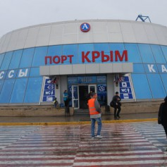 Керченская переправа второй день работает по фактической погоде