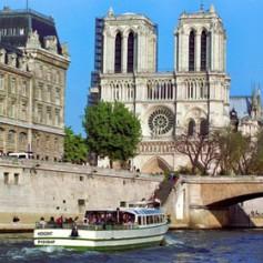 В союзе туриндустрии рассказали о реакции россиян на теракты в Париже