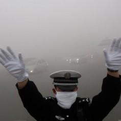 Власти Пекина могут запретить новогодние фейерверки из-за смога