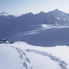 Иркутские спасатели запретили выходить в горы из-за возможных лавин