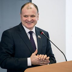 В России предложили ввести электронные туристические визы
