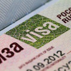 Мединский призвал смягчить визовый режим для иностранных туристов