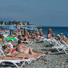 На курортах Краснодарского края отдохнут около 15 миллионов туристов