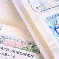 Для россиян изменят время подачи документов на греческие визы