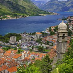 Российским туристам втрое увеличили срок пребывания в Черногории без визы