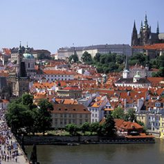 Российские туристы на День Победы предпочли отправиться в Чехию