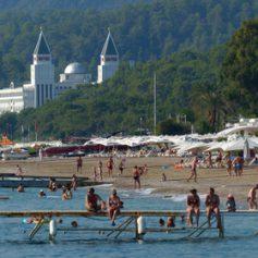 Крымчане начали раскупать путевки в Турцию