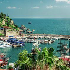 В Турции рассчитывают принять в 2016 году не менее 750 тысяч туристов из РФ