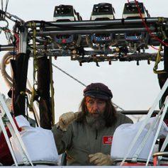 Конюхов рассказал о сложностях в первые сутки кругосветного перелета