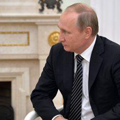 Путин призвал поддержать проекты речного туризма из Москвы и Петербурга
