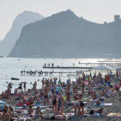 Первый крымский пляж прошел классификацию по российским стандартам