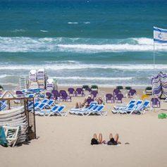 Разлив нефти в Красном море не угрожает пляжам Израиля
