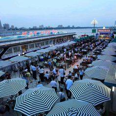 КНДР устроила первый в истории страны фестиваль пива