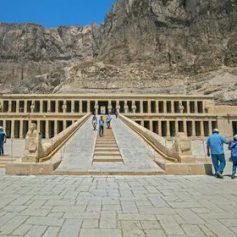 Туроператоры назвали сроки возобновления авиасообщения с Египтом
