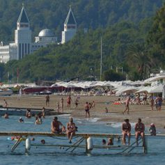 Турция подсчитала убытки в сфере туризма за третий квартал 2016 года