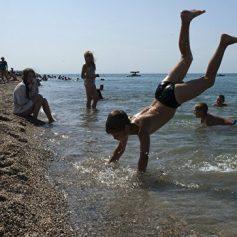 Губернатор Кубани считает, что отдых на Черном море должен быть доступным