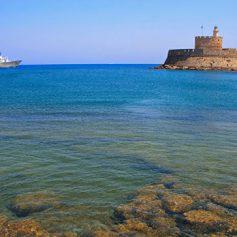 Почти 800 тысяч российских туристов посетили Грецию в 2016 году