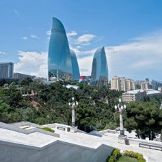 Медведев одобрил соглашение о сотрудничестве с Азербайджаном в турсфере
