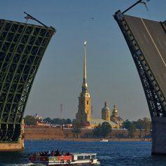 Мировые эксперты признали Петербург лучшим туристическим направлением года
