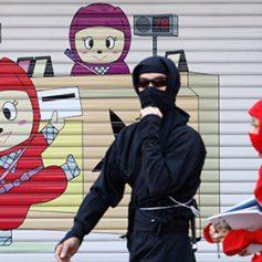 В Японии решили развивать туризм с помощью ниндзя