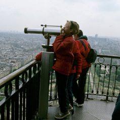АТОР сообщил о росте интереса россиян к турам в Париж