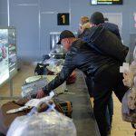 Стоимость авиабилетов за рубеж на лето снизилась почти на четверть