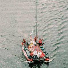 Россияне доплывут из Красноярска в Архангельск на катамаране