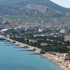 Крымские власти заявили, что Украина не пускает туристов в регион