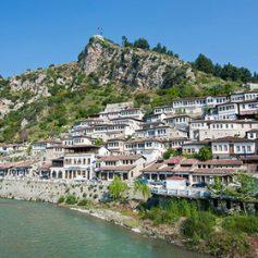 Албания отменила визы для россиян на время курортного сезона