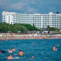 Отельерам в Сочи пригрозили арестами за платные пляжи