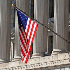 Для получения виз в США россиянам предложили обратиться в другие страны