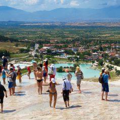 Генсек Всемирной туристской организации надеется на отмену виз в будущем
