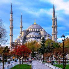 В лидерах ноябрьского отдыха россиян – Турция и Россия
