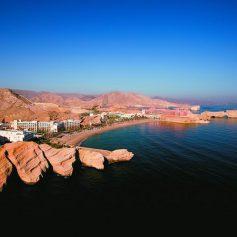 Из Дубая теперь можно за 6 часов доехать до Омана на автобусе